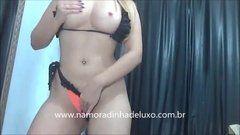 Viviane Araujo sem roupa nua se trocando no carro