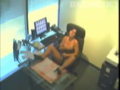 Webcam secretaria masturbando no trabalho com chefe perto