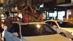 Loiraça ganhou dinheiro pra mostra os peitões na rua