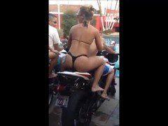 Videozinho para whatsapp 3 novinhas empinando bunda na moto