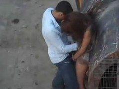 Video casal amador de namoradas flagrados fazendo sexo na obra
