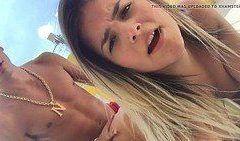 Video Isis novinha carioca caiu na net fazendo sexo amador no carro