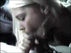 Video namorada amadora fazendo boquete rapido dentro do carro