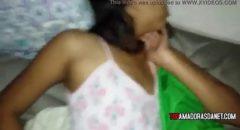 Acordou prima puta metendo a pica na buceta dela