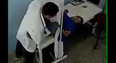 ginecologista chupou buceta quente da paciente